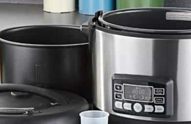 Electric Pressure Cookers That Come With A Non-Stick Cooking Pot