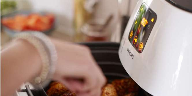 GoWISE USA GW22621 Electric Air Fryer VS Philips Avance XL Airfryer HD9240