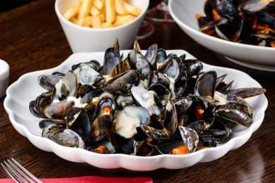 Instant Pot Elegant Dinner Mussels