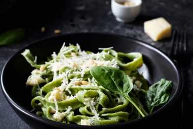 Instant Pot Pasta and Cheese with Spinach & pine nuts