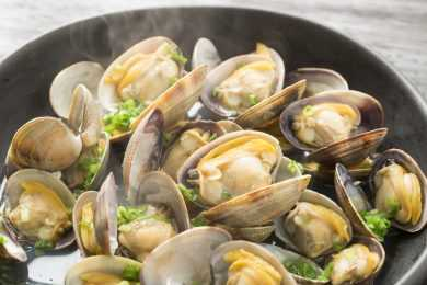 Instant Pot Steamed Clams