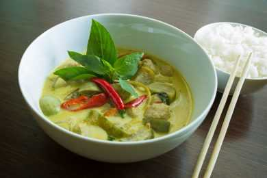 Instant Pot Chicken in Thai Green Curry Stew