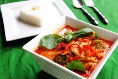 Instant Pot Chicken in Thai Red Curry Stew