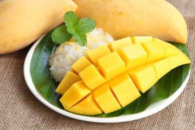 Instant Pot Mango Sticky Rice