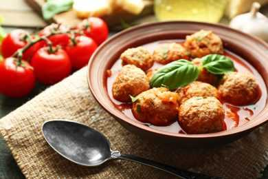 Instant Pot Tomato Basil Soup with Meatballs