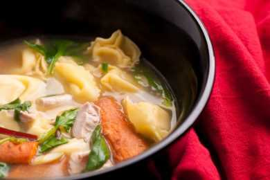 Instant Pot Chicken and Vegetable Pasta Tortellini Soup
