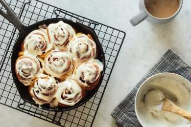 Instant Pot Cream Cheese Cinnamon Rolls