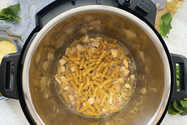 Instant Pot Pesto Chicken Pasta